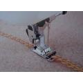 Kordovací patka pro šití 1-3 ozdobných provázků  (univerzální)