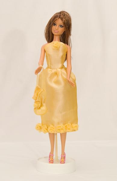 Žluté šaty s růžemi 3bf72ab4250