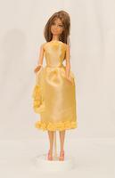 Žluté šaty s růžemi