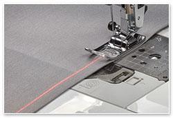 Brother VQ4 - laserové vodítko šití
